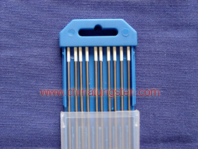 Zirconiated tungsten electrode